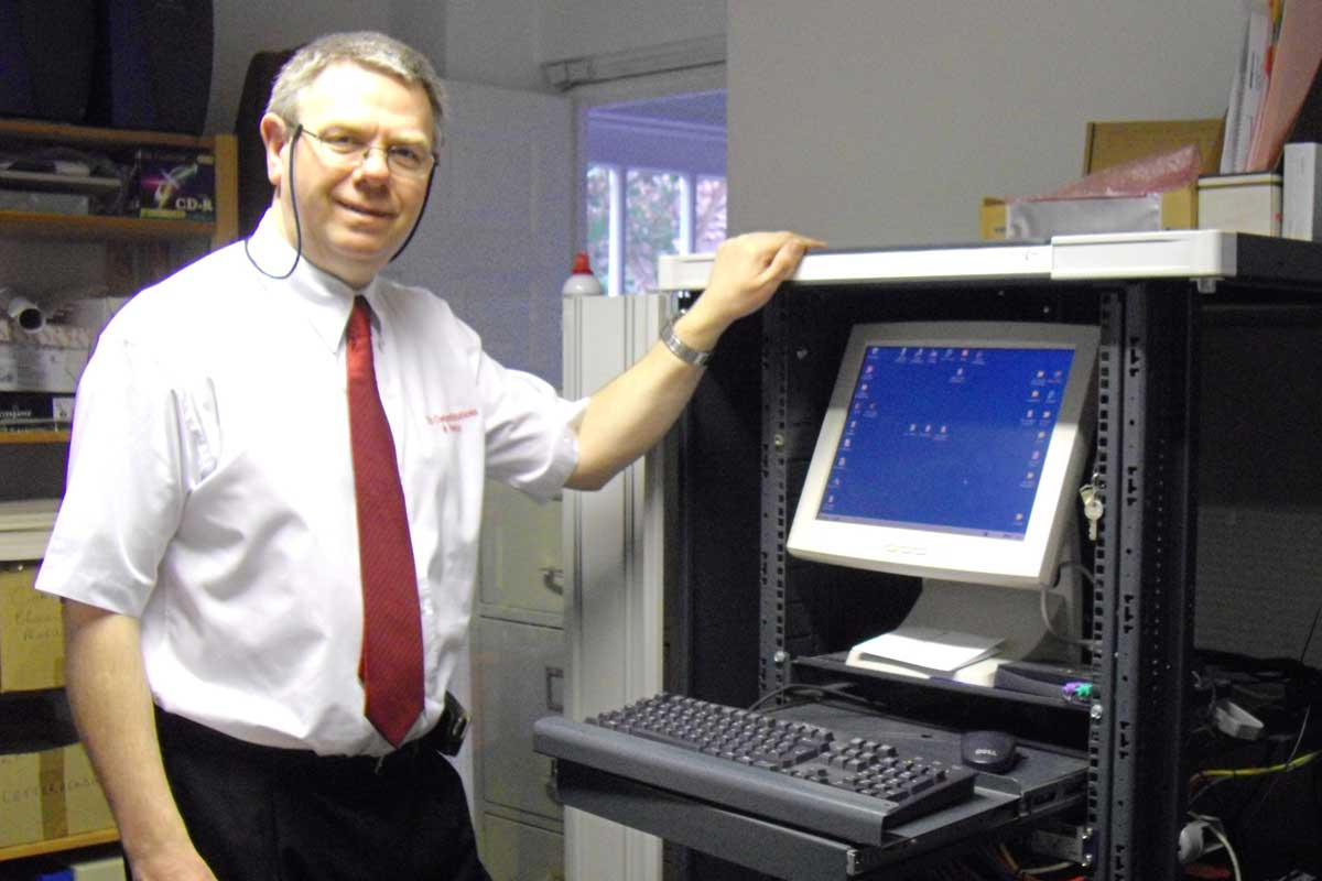 Clevedon Computer Repairs - Yes, this ugly mug really is me!